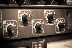 音频黑暗的设备闪电晚上 库存照片