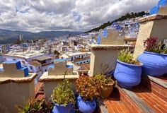 顶上的看法蓝色舍夫沙万,摩洛哥 免版税图库摄影