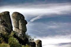 顶头岩石雕塑 免版税图库摄影