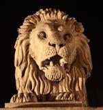 顶头狮子石头 免版税图库摄影
