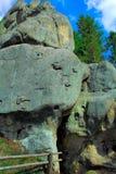 顶头被塑造的石头 库存图片
