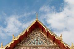 顶房顶在泰国样式, Wat Pho,泰国的山墙 库存图片