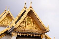 顶房顶泰国的寺庙 库存图片