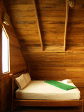 顶楼卧室 免版税库存照片