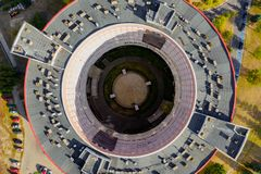顶视图圆形建筑的大厦,医院在卡利什,波兰 免版税库存照片