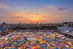 顶视图多个颜色市场屋顶 库存图片