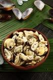 顶视图新鲜的抓住煮沸了淡菜海鲜盛肉盘 库存图片