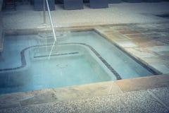 顶视图极可意浴缸水池椅子水池和行在公寓的在Ame 免版税图库摄影