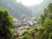 顶视图看见Chaing Mai的小村庄,泰国 库存照片