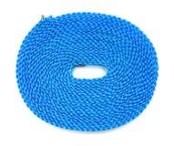顶视图蓝色塑料晒衣绳 免版税库存照片