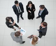 顶视图 与财政图的企业队 免版税库存图片
