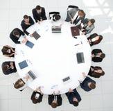顶视图 会议圆桌的商务伙伴 库存照片