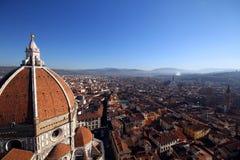 顶视图fromo中央寺院大教堂在佛罗伦萨,意大利 免版税库存照片