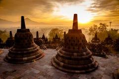 顶面婆罗浮屠寺庙在日惹, Java 免版税库存照片