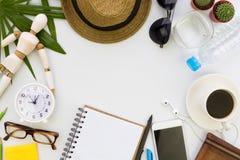 顶面桌平的位置与辅助部件的在与空白的白色背景文本的 免版税库存图片