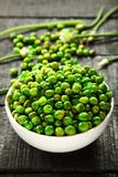 顶面看法可口印地安快餐加香料的绿豆 免版税库存照片
