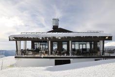 顶面罗莎峰顶的餐馆在罗莎Khutor,索契 免版税库存照片