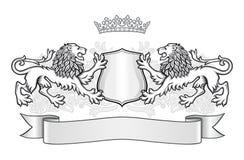 顶饰与两头狮子、冠和盾 免版税库存图片