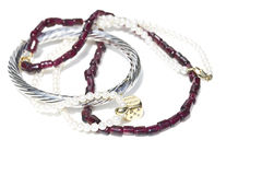 项链、镯子、金刚石和手表 免版税库存图片