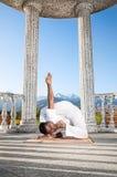 预先的难以置信的姿势瑜伽 库存图片