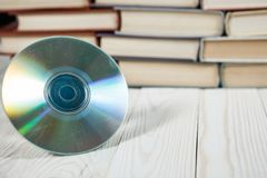 预定与在白色背景e书或数字式s的光盘 库存照片