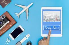 预定旅行的触板屏幕对日本 免版税库存照片