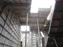 预铸的铝形式工作使用在工地工作作为临时形式工作 免版税图库摄影
