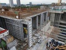预铸的铝形式工作使用在工地工作作为临时形式工作 免版税库存照片