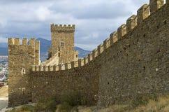 领事城堡在热那亚人的堡垒在Sudak,克里米亚 免版税库存照片