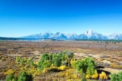 领域和Teton范围 免版税图库摄影