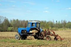 领域拖拉机 库存照片
