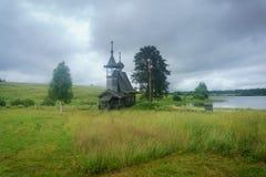 领域的木教堂 免版税图库摄影