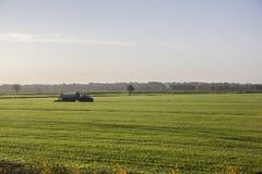领域的耕种 免版税库存图片