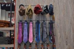 领带和盖帽待售 免版税库存图片