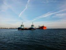 领航船和船 免版税库存图片