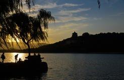 颐和园的闪耀的日落焕发 库存图片