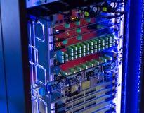 频率密集波分复用连接器间距在光学模块化的 Multiservise平台 库存图片