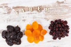 题字纤维和成份当来源自然维生素和矿物,健康营养概念 库存图片