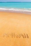 题字& x22; Hawaii& x22;做在美丽的海滩 图库摄影