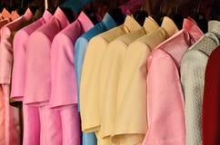 颜色丝绸衬衣 库存照片
