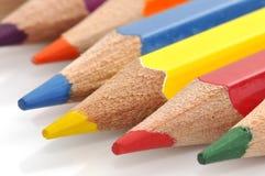 颜色五颜六色的蜡笔 免版税库存图片