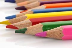 颜色五颜六色的蜡笔 库存图片