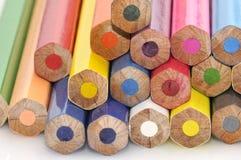 颜色五颜六色的铅笔 免版税库存图片