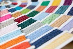 颜色产小羊样片羊毛 免版税库存图片