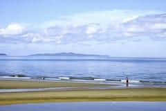 颜色充分的海滩 Pattaya Chonburi泰国 蓝天每l 免版税库存图片