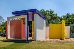 颜色可穿透的幻方的发明Inhotim公开当代艺术博物馆的-米纳斯吉拉斯州,巴西Helio Oiticica 免版税库存图片