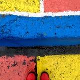 颜色在与雨靴的一个雨天 免版税图库摄影