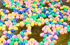 颜色塑料球 免版税库存照片