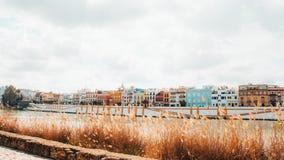 颜色房子在塞维利亚 免版税库存照片