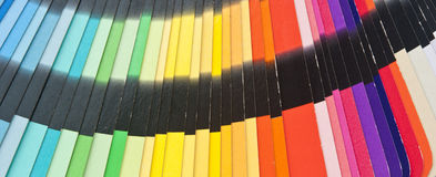 颜色指南光谱样片抽样彩虹 免版税库存照片